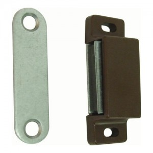 Brown Magnetic Catch and Counterplate, 6kg Pull