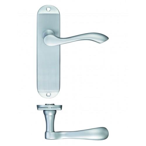 Arundel Polished Chrome Door Handles
