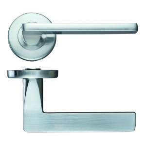 Leon Satin Chrome Door Handles on Rose