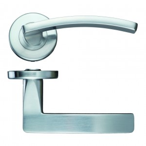 Toledo Satin Chrome Door Handles on Rose